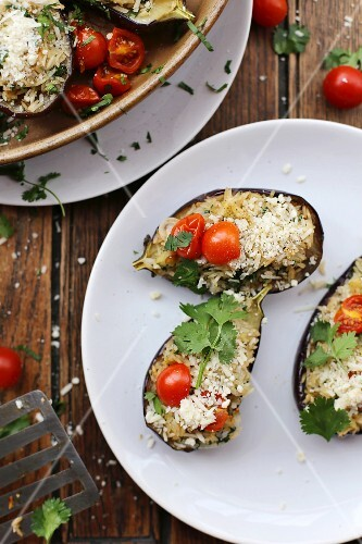 Stuffed baby aubergines with tomatoes and Parmesan cheese