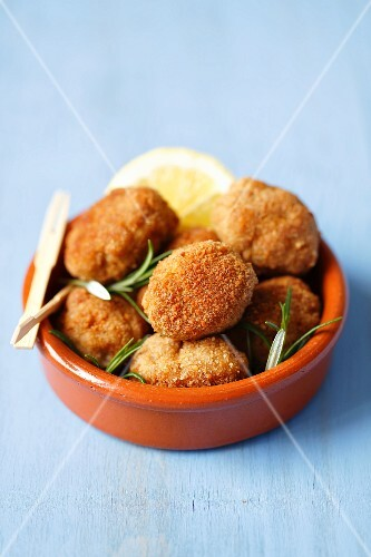 Croquetas de jamon (pork and serrano ham croquetes, Spain)
