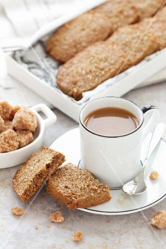 Rye and ginger biscuits with coffee
