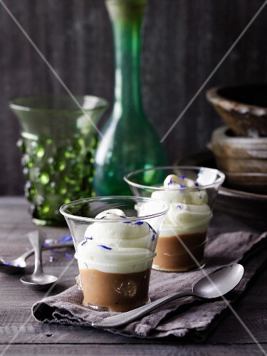 Chicory cream with spelt coffee à la Hildegard von Bingen