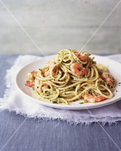 Spaghetti with almond pesto and prawns