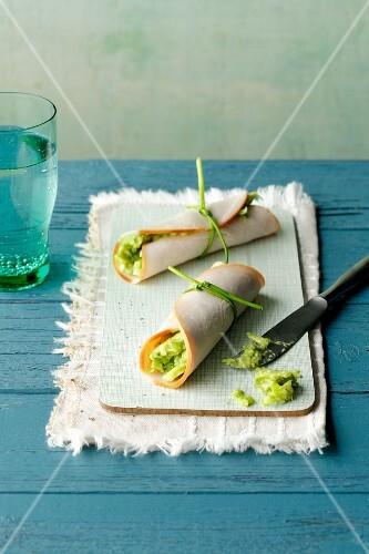 Turkey rolls with avocado cream (simple glyx)