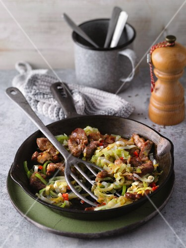 Fried pork collar with chilli and leek