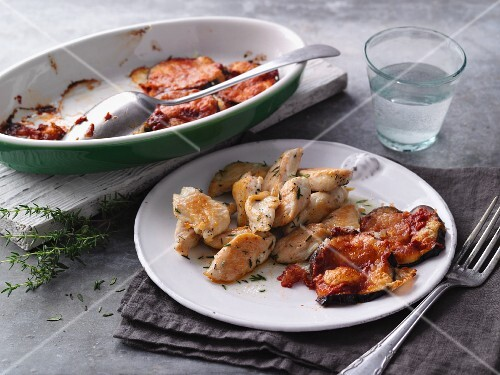 Fried chicken strips with gratinated aubergines