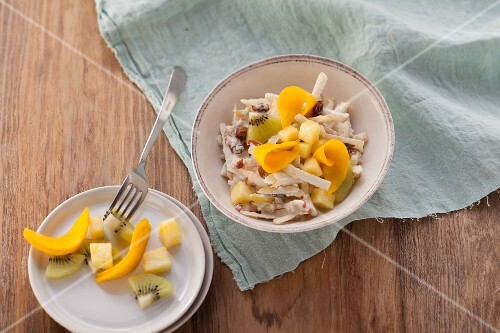Cracked oat muesli with raisins, apple and buttermilk (post fasting)