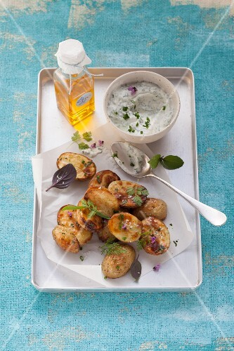 Bircher baked potatoes with a green quark sauce (post fasting)