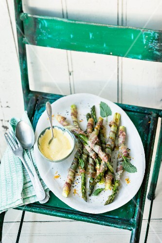 Asparagus grissini with orange and mustard sabayon