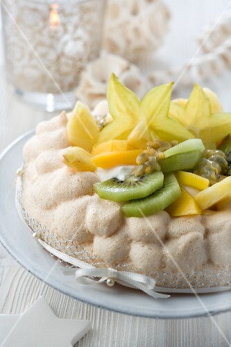 Pavlova with exotic fruit for Christmas
