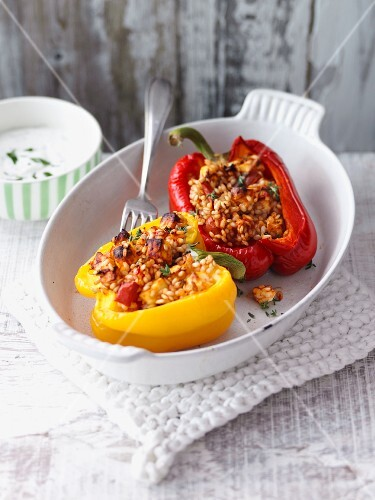 Peppers stuffed with spelt rice