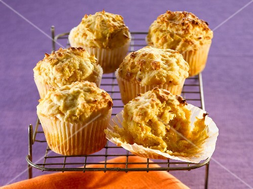 Pumpkin and cheese muffins