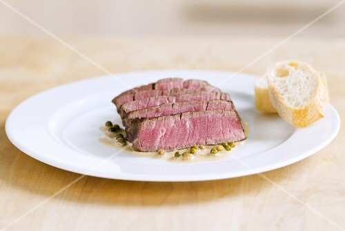 Fried beefsteak with pepper sauce