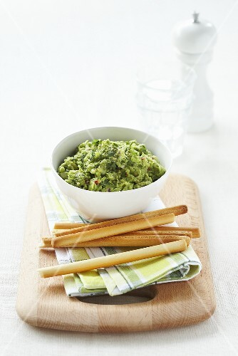Guacamole with grissinis