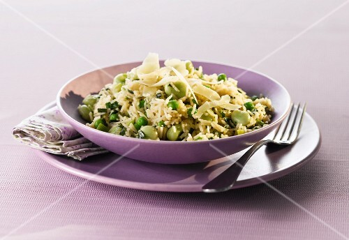 Rice with broad beans, peas and mint