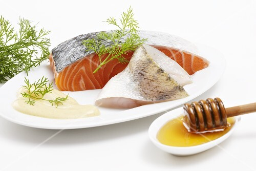 Ingredients for fish strudel: Salmon, zander, honey, dill and sauce