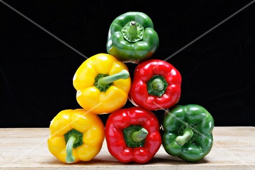 A pyramid of peppers