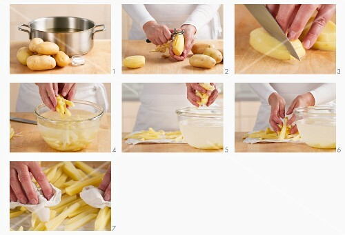 Kartoffeln schälen, waschen und in Stifte schneiden