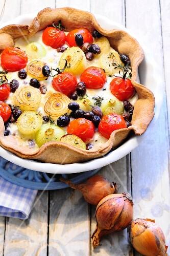Onion, tomato and olive quiche