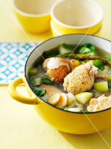 Tinola (chicken soup, the Philippines)
