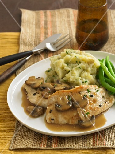 Chicken Marsala with Herbed Mashed Potatoes and Green Beans