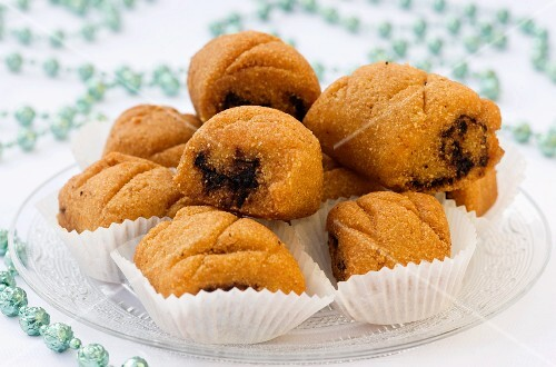 Makroudhs (date cakes from Tunisia)