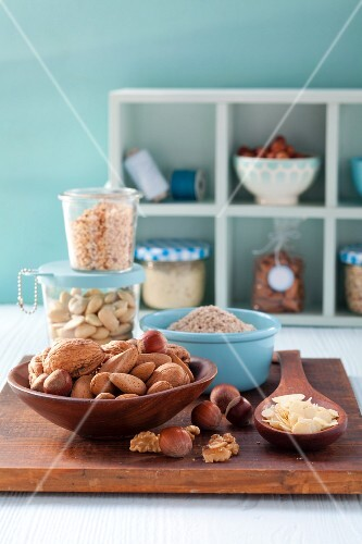 Cooking and baking ingredients: nuts