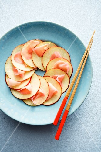 Apple carpaccio with ginger (Asia)