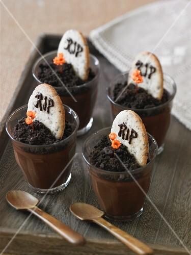 Halloween Pudding Tombstone Treats
