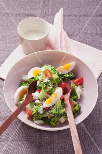 Broccoli florets with eggs and yogurt-nut dressing