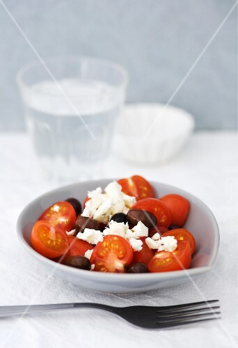 Tomatoes with black olives and feta