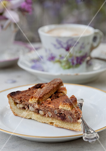 Dolce di noci (nut cake; served with a cappuccino)