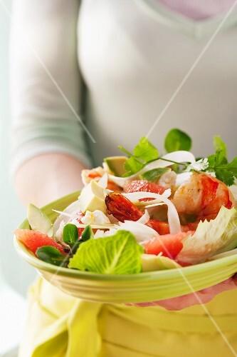 A salad of avocado, fennel, grapefruit and king prawns