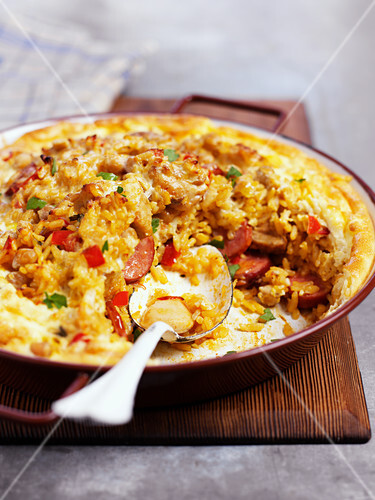 Paella with an egg crust