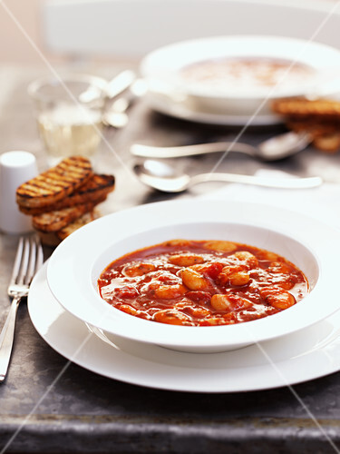 Haricot bean soup with chorizo