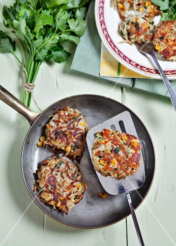 Potato-corn puffers with parsley