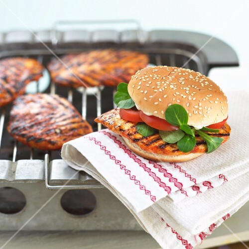 Grilled chicken burgers