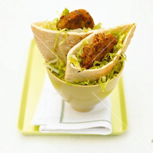 Vegetable burgers in pita bread