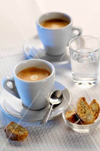 Espresso with cantucci and water