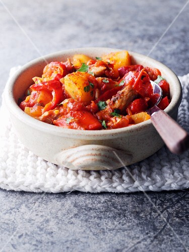 Potato and pepper stew with pork