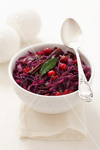 Braised red cabbage with cranberries
