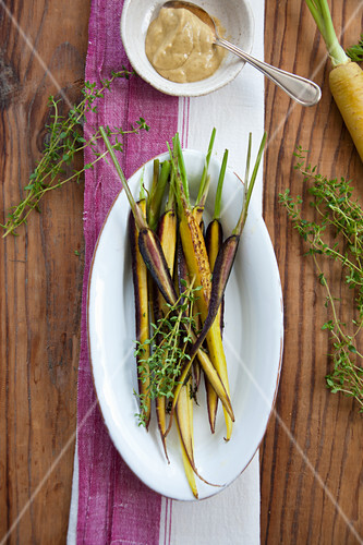 Roast carrots with thyme and a dip
