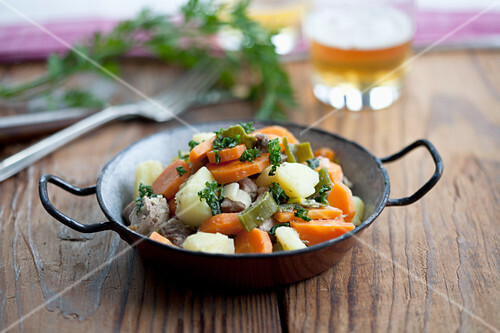 Pichelstein stew with spring vegetables and beef