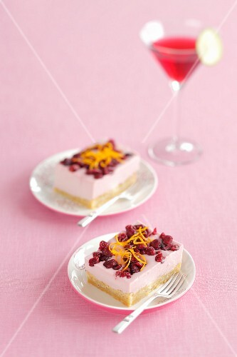 Cranberry mousse bars with dried cranberries