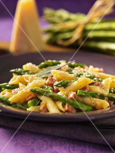 Penna pasta with pancetta, asparagus and grated Parmesan