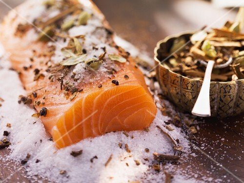 Salmon fillet with a spiced marinade
