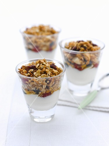 Yogurt with cereals
