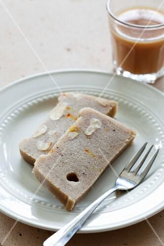 Suji halwa (Indian semolina dessert)