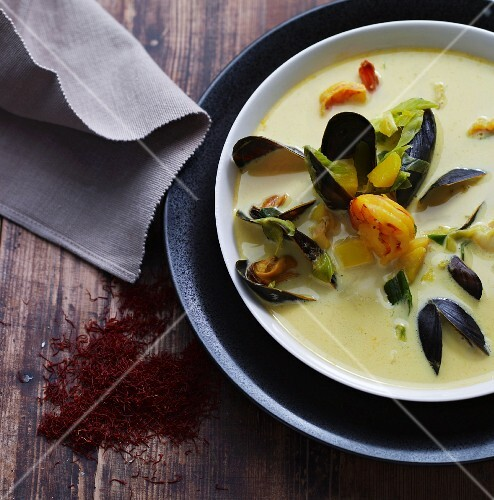 Creamy soup with mussels