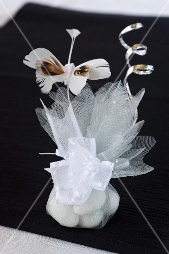 Sweets as a guest gift for a wedding