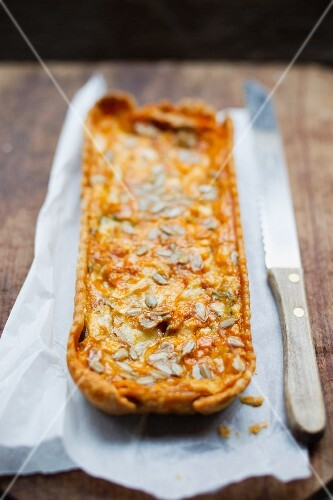 Cheese quiche with sunflower seeds