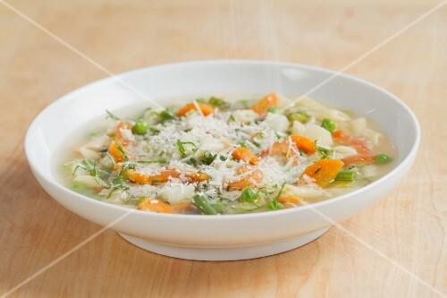 Minestrone (Italian vegetable soup)